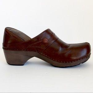 Dansko brown leather clog , US 8.5-9 EUR 39